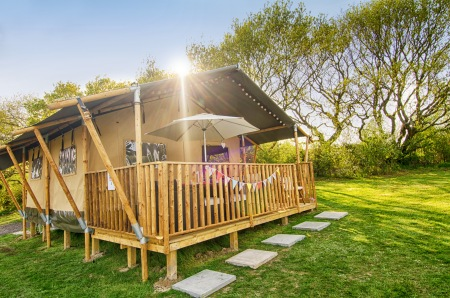 Glamping in a safari tent at Nodes Point holiday park on the Isle of Wight (c) Park Resorts